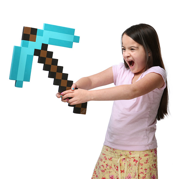 f48b minecraft diamond pickaxe inhand